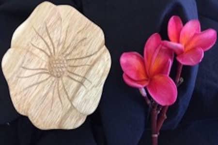 frangipani-timber-carvings